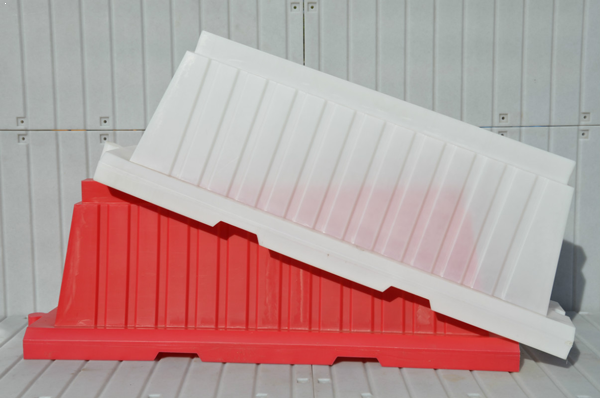 Блок дорожный вкладывающийся 2м (красный)
